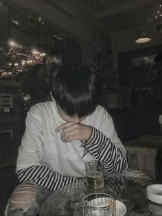 Read ♕ 11 ♕ from the story [ 12 chòm sao ] Insta ♕ by _ruyu_ (~ Hạ Vỹ ~) with reads. Cute Asian Guys, Cute Korean Boys, Korean Boys Ulzzang, Ulzzang Boy, Aesthetic Boy, Aesthetic Photo, Male Models Poses, Korea Boy, Fashion Poses