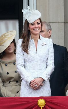 Kate Middleton wearing a pearl brooch