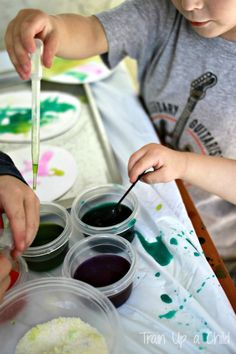 Easter Craft for Kids {Absorption Art} Build fine motor skills through art with this toddler friendly craft.  Older kids will love watching the color run through the salt mixture as it is absorbed.