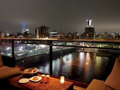 12 Best Rooftop Bars for a Romantic Date in Tokyo Romantic Dates, Romantic Dinners, Dating In Japan, Dream Dates, Best Rooftop Bars, Stunning View, Nice View, Two By Two, Restaurant