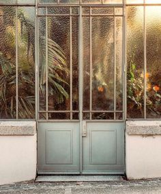 Palmenhaus B The Effective Pictures We Offer You About Door ideas A quality picture can tell you many things. You can find the most beautiful pictures that can be presented to you about Door band in t The Doors, Windows And Doors, Metal Doors, Glass Doors, Interior Exterior, Interior Design, Botanical Gardens, Kew Gardens, Botanical Prints