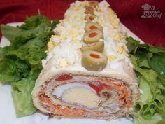 arrollado de atun Seafood Recipes, Mexican Food Recipes, Cooking Recipes, Tapas, Snacking, Good Food, Yummy Food, Latin Food, International Recipes