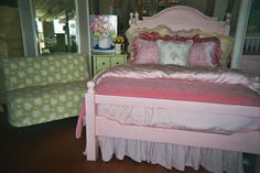 This is a wonderful bed that is appropriate to take a little girl through her teenage years.