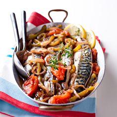 Découvrez la recette Maquereaux à la basquaise sur cuisineactuelle.fr.