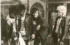 KAAOS The Adicts, Estilo Punk Rock, Anarcho Punk, Emo, 70s Punk, Crust Punk, Riot Grrrl, New Romantics, Punk Art