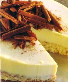 Pastel de chocolate blanco. Puedo usar solo la cobertura y abajo hacer la de mousse de choco negro