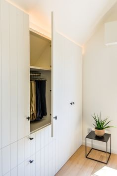 living room ideas – New Ideas Cosy Bedroom, Bedroom Loft, Master Bedroom, Armoire Dressing, Dressing Room, Built In Cupboards Bedroom, Floor To Ceiling Wardrobes, Attic Bedrooms, Fitted Wardrobes