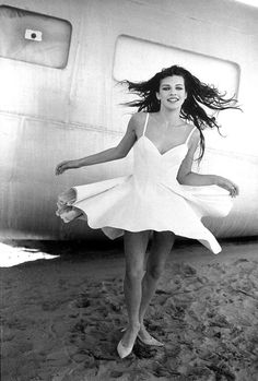 Milla Jovovich photographed by Peter Lindbergh for Vogue Paris, May 1990