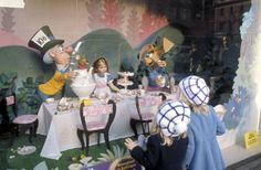 Selfridges, London: Christmas Window, Alice in Wonderland