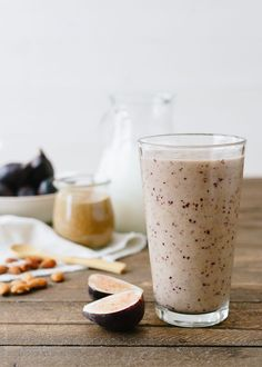 Healthy Smoothies Fig and Almond Butter Smoothie - This sweet and creamy Fig and Almond Butter Smoothie is super nourishing after a workout - but the truth is, it tastes decadent enough to be a dessert. Fig Smoothie, Apple Smoothies, Good Smoothies, Smoothie Drinks, Breakfast Smoothies, Smoothie Recipes, Vegetable Smoothies, Smoothie Shop, Yummy Drinks