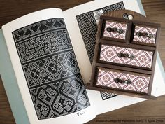 "Jewelry box / cabinet - cross stitch pattern from ""Burato"" by A.Paganino"