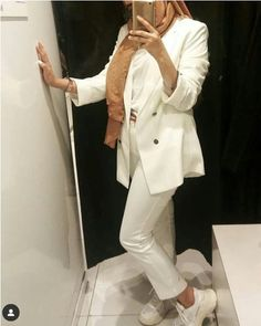 Formal office suits with hijab style – Hijab Fashion 2020 Suit Fashion, Fashion 2020, Modest Fashion, Hijab Fashion, Fashion Outfits, Hijab Office, Work Suits For Women, Formal Suits, Formal Wear