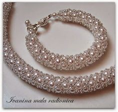 Beste Seed Bead Jewelry 2017 – Netting Perlenkette – - Famous Last Words Seed Bead Necklace, Seed Bead Jewelry, Bead Jewellery, Diy Necklace, Necklace Designs, Jewelry Necklaces, Pearl Necklaces, Bracelet Designs, Pandora Jewelry