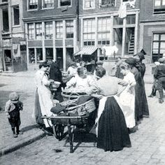 Bedrijvigheid in de Jordaan Amsterdam Cafe, Street View
