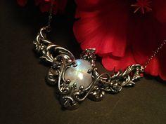 Leda – Greek Mythology Inspired Vintage Moonstone Pendant Jewelry