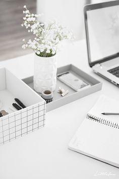 Littlefew Blog // My details for an improvise workspace.
