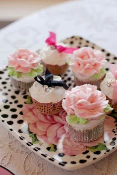 dc4c0b0ba3f276 Mignardises Jolis Petits Gâteaux, Anniversaires, Cupcake Idées, Idées De  Cuisson, Muffins,