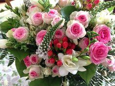 Petit bouquet d'été rose, vert et blanc http://www.pariscotejardin.fr/2014/08/petit-bouquet-d-ete-rose-vert-et-blanc/