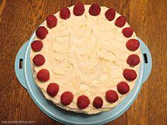Lemon-Lemon+Cake+with+Raspberry+Filling