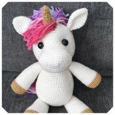 Gratis haakpatronen van Jess Huff | Een Mooi Gebaar Bag Crochet, Crochet Gratis, Crochet Basics, Crochet Dolls, Free Crochet, Amigurumi Doll, Amigurumi Patterns, Knitting Patterns, Crochet Patterns