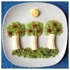 Bunch of Kids Birthday Parties Super Idea - Food Carving Ideas Cute Food, Good Food, Kiwi And Banana, Amazing Food Art, Paleo Kids, Food Art For Kids, Food Kids, Healthy Halloween Snacks, Creative Food Art