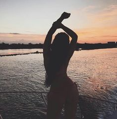 Beach Photography Poses, Holiday Photography, Beach Poses, Summer Photography, Underwater Photography, Summer Pictures, Beach Pictures, Insta Photo Ideas, Photos Voyages