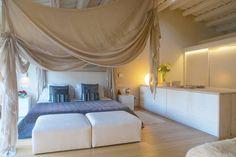 Busca imágenes de Dormitorios de estilo mediterráneo: . Encuentra las mejores fotos para inspirarte y crea tu hogar perfecto.