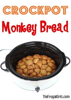 nothing quite as delicious as Crockpot Monkey Bread! It's cinnamon-sugar-ooey-gooey-goodness at its best! Well, okay. these Monkey Bread Muffins are amazing, too! Crock Pot Food, Crock Pot Desserts, Crockpot Dishes, Crock Pot Slow Cooker, Köstliche Desserts, Slow Cooker Recipes, Dessert Recipes, Crockpot Meals, Dump Cake Recipes