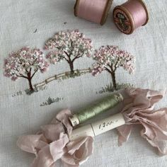 I started a blossom tree with Caroline at the lovely in May. Such a gorgeous design Caroline!No photo description available. Hand Embroidery Stitches, Silk Ribbon Embroidery, Crewel Embroidery, Hand Embroidery Designs, Embroidery Needles, Diy Sticker, Diy Broderie, Sewing Crafts, Needlework