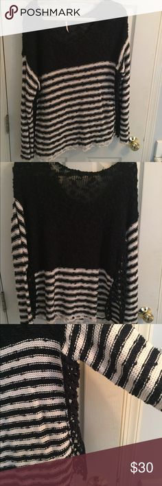 FREE PEOPLE Knit Sweater Gorgeous FP striped Knit sweater Great condition size MEDIUM Free People Sweaters