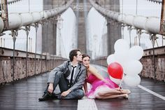 engagement portraits with balloons | Calgary wedding planner | Balloon fever! | Calgary wedding design