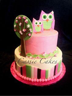 Owl cake (round) by Cassie Cakes