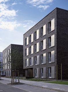 Am südöstlichen Stadtrand von Berlin, in unmittelbarer Nähe des Flughafens Schönefeld, liegt die Großsiedlung Altglienicke. Im Zuge der Weiterentwicklung und Nachverdichtung eines existierenden Wohngebietes in Plattenbauweise entstanden hier (wie auch ...