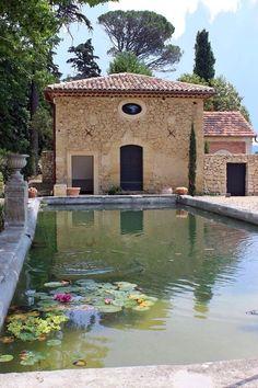 Sublime maison de campagne avec une piscine d'eau naturelle
