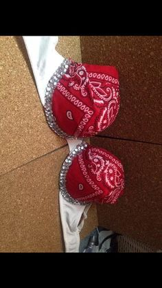 Red bandana rave festival bra from Ravebrasbyashlie on Etsy. Shop more products from Ravebrasbyashlie on Etsy on Wanelo. Bedazzled Bra, Bling Bra, Rhinestone Bra, Bandana Outfit, Red Bandana, Bandana Print, Decorated Bras, Bandana Crafts, Rave Costumes