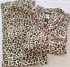 Medium Leopard Print Flannel Pajama Set Top Pants Gold Glitter Hot Pink  Trim NWT  JoeBoxer 159654fc6