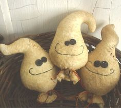 PRIMITIVE ghosts | Primitive Halloween Ghost Bowl Fillers by thewoodedlake on Etsy
