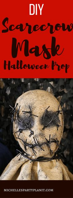 halloween costumes scarecrow Kick up the creepy factor with this DIY Scarecrow Mask tutorial by Michelles Party Tutorial. Great for a Scary Movie Halloween Party! Diy Halloween Scarecrow, Scarecrow Mask, Maske Halloween, Burlap Halloween, Halloween Costumes Scarecrow, Creepy Masks, Creepy Halloween Costumes, Creepy Halloween Decorations, Outdoor Halloween