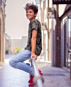 Little Boy Fashion Trends Cute 13 Year Old Boys, Young Cute Boys, Teen Boy Fashion, Little Boy Fashion, Men's Fashion, Winter Fashion, Fashion Trends, Beautiful Boys, Pretty Boys