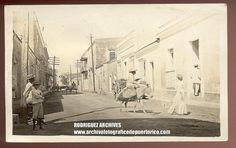SAN JUAN, PUERTO RICO RPPC - Unidentified Street Scene - Mailed San Juan APR 2, 1912. Propiedad y cortesía de Archivos Rodríguez LLC, archivofotograficodepuertorico.com