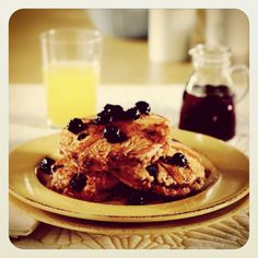 """@dolenutrition's photo: """"Whole wheat blueberry pancakes for #breakfast #loveit #dolelicious newsletter.dole.com/recipes"""""""