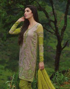 Mahira Khan for Umar Sayeed Lawn Collection 2015 Pakistan Fashion, India Fashion, Fashion 2017, Fashion Models, Latest Fashion, Fashion Trends, Pakistani Lawn Suits, Pakistani Dresses, Casual Dresses