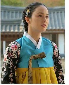 Korean Hanbok, Korean Dress, Jang Ok Jung, Dong Yi, Kim Tae Hee, Queen, Dramas, Wings, Sari