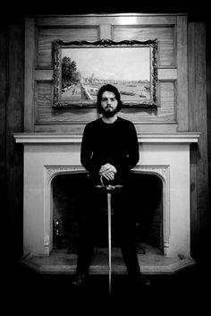Tom Burke/ Athos/ the musketeers he look soooo good <3