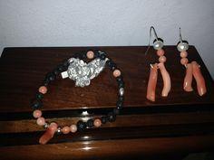 pendientes y pulsera de coral y lava Coral, Summer Street, Gem S, Lava, Gypsy, Surf, Stones, Bohemian, Street Style
