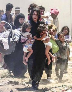 These are the people they want banned. Not terrorists, but refugees who desperately need asylum; people who have seen the horror of watching their loved ones murdered, starved, raped and torn away from them. Mundo Cruel, Sun Tzu, Refugee Crisis, War Photography, Powerful Images, Save The Children, Faith In Humanity, People Of The World, Photojournalism