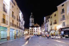 Ambient nocturn a la plaça del mercat de Xàtiva (PEDRO DE LA FUENTE) @pedro4info
