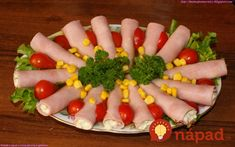 Obložené chlebíky na sviatky nerobím, každý pýta len toto: Dokonalá vajíčková pomazánka do šunkových roliek + nápady na servírovanie! Finger Foods, Sushi, Sausage, Appetizers, Eggs, Salad, Thing 1, Breakfast, Ethnic Recipes