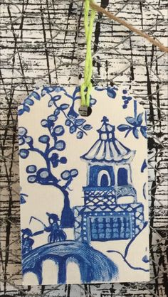 Single Gift Tag measure 5.5 X 9 cm (2.16 X 3.54 inches)The image is taken from original artwork painted by myself (Zana Lokmer) on canvas. Gift