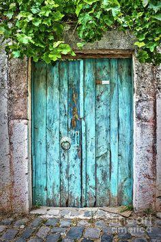 Old blue door in a small street of Bodrum, Turkey. Travel photography by Delphimages. Cool Doors, The Doors, Unique Doors, Windows And Doors, Entrance Doors, Front Doors, Rustic Doors, Wooden Doors, Old Barn Doors